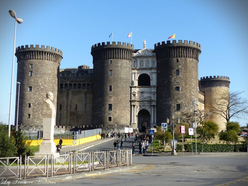 Is naples safe for tourists?