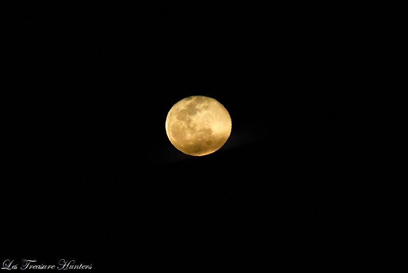 Moonrise in Santorini
