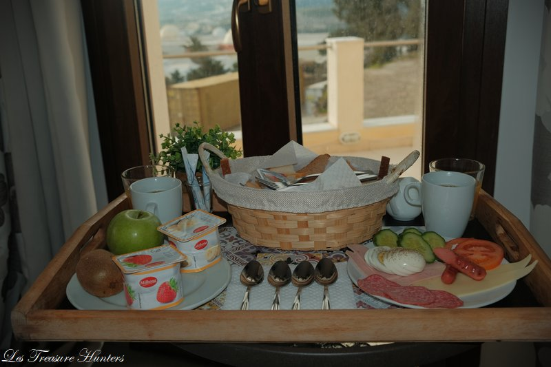 Hotel book santorini