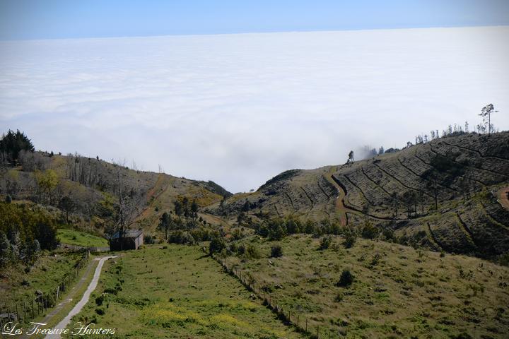 conduire à travers les nuages à Madère